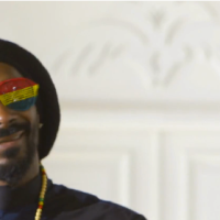 """Here Comes The King"" es el nuevo video de Snoop Lion, con Major Lazer y Angela Hunte"