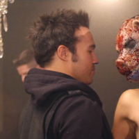 """Fall Out Boy estrena el video oficial del tema """"Young Volcanoes"""" y se presenta con Conan O'Brien"""