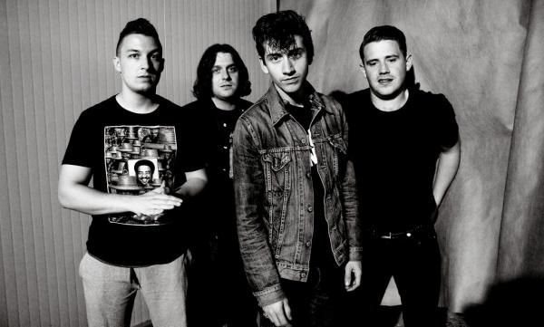 Arctic-Monkeys-4